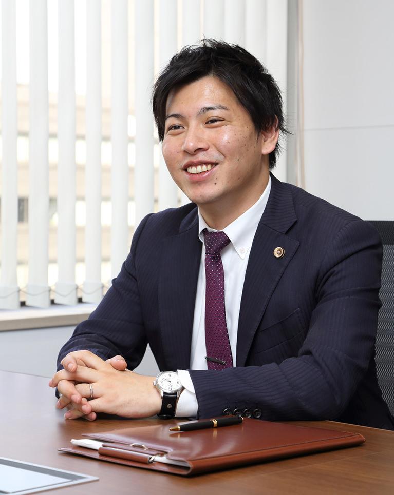 代表弁護士:菰田 泰隆
